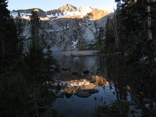 Doppeltes Alpenglühn am Marion Lake