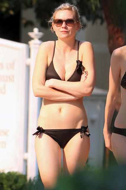 Kirsten Dunst sexy in lingeire