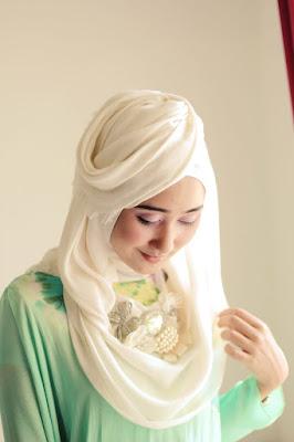 Tutorial Hijab Style ala Dian Pelangi