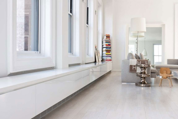 "White windows in Modern New York Apartment by ""Resolution: 4 Architecture"""