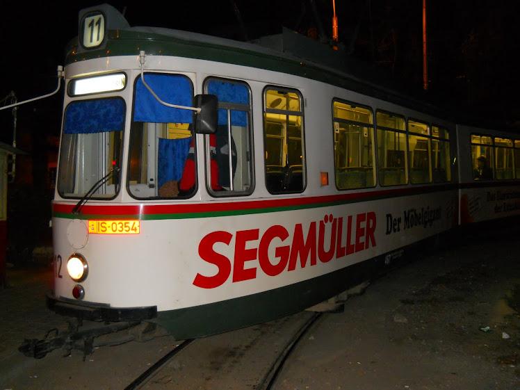 despre tramvaie:       tram