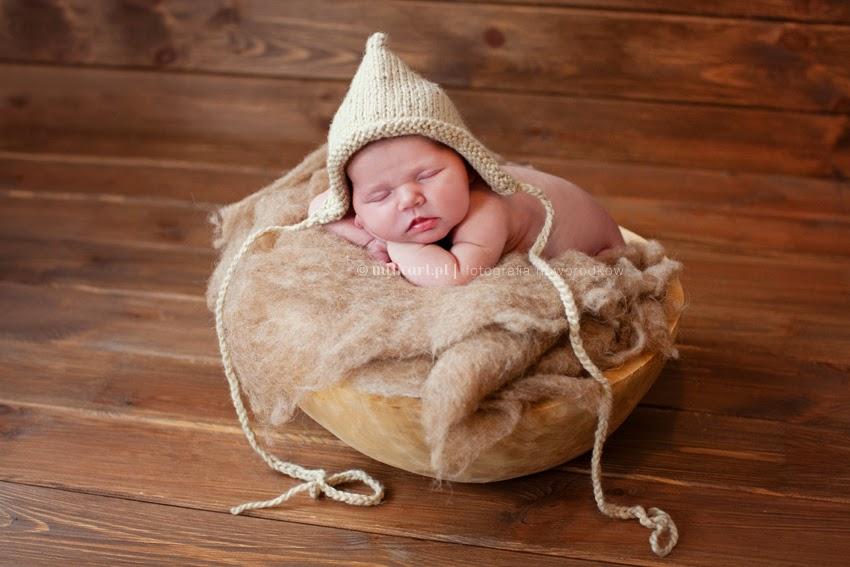 sesje fotograficzne noworodków, fotografia  niemowlaków, sesja fotograficzna rodzinna, zdjęcia na chrzciny