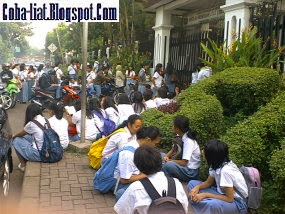 Jam Masuk Sekolah di Indonesia, Terpagi di Dunia