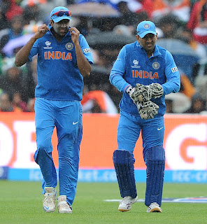 Rain-interrupts-India-vs-Pakistan-ICC-Champions-Trophy-2013