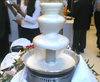 ranch dressing fountain, Hidden Valley Ranch