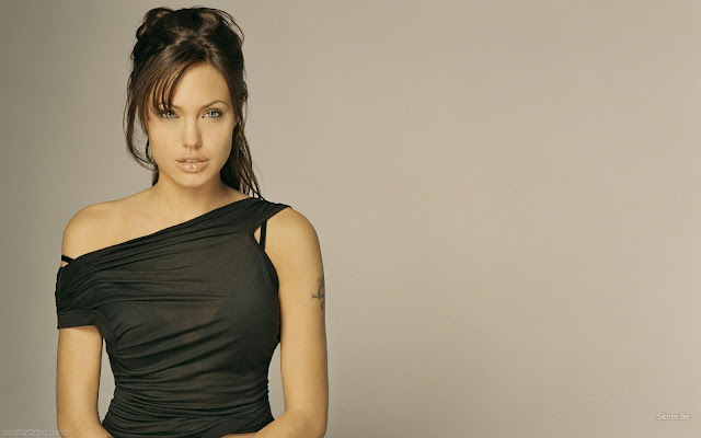 Angelina Jolie Desktop Wallpaper-1600x1200