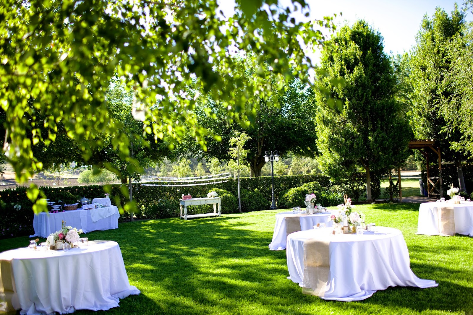 pretty outdoor wedding tables