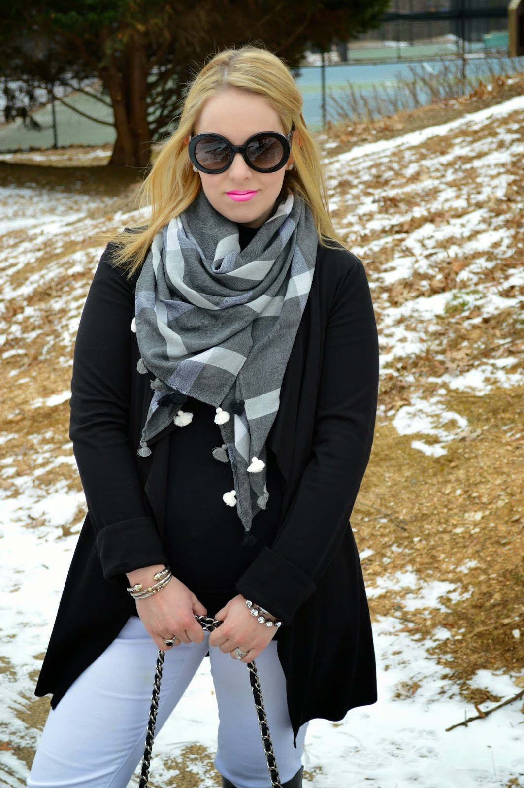 black-white-winter-look