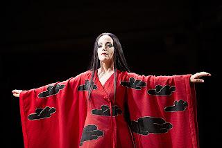 Lise Lindstrom as Turandot, Royal Opera House: photo Tristram Kenton 2013
