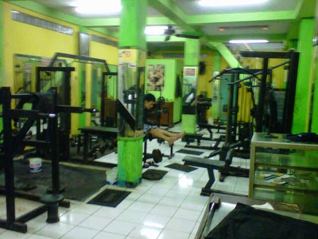 Alat fitnes center standart fitness murah bekas