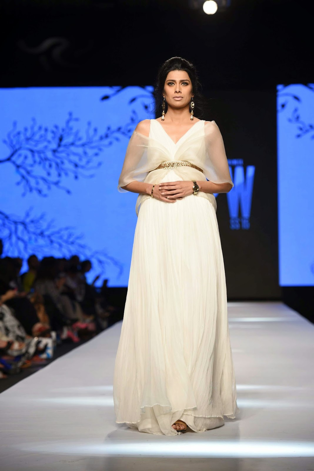 fia white dress zaheer abbas TFPW15