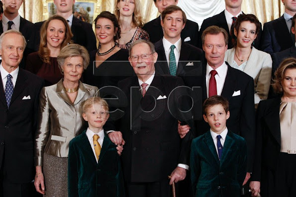 Prince Guillaume, Princess Sibilla, Prince Paul-Louis of Nassau, Princess Charlotte of Nassau, Prince Léopold of Nassau, Prince Jean of Nassau, Princess of Ligne Anne, Chevalier Charles de Fabribeckers of Grâce and Cortils, Countess of Antonia Holstein-Ledreborg, Dr Le and Madame John H. Fruchaud