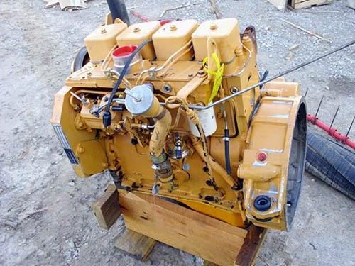 EN-4197 Case 1840 skid steer engine. Cummins 3.9L diesel