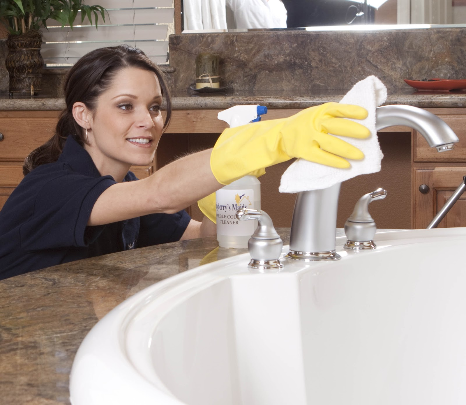 The difference between useing a local house cleaning for Bathroom cleaning companies