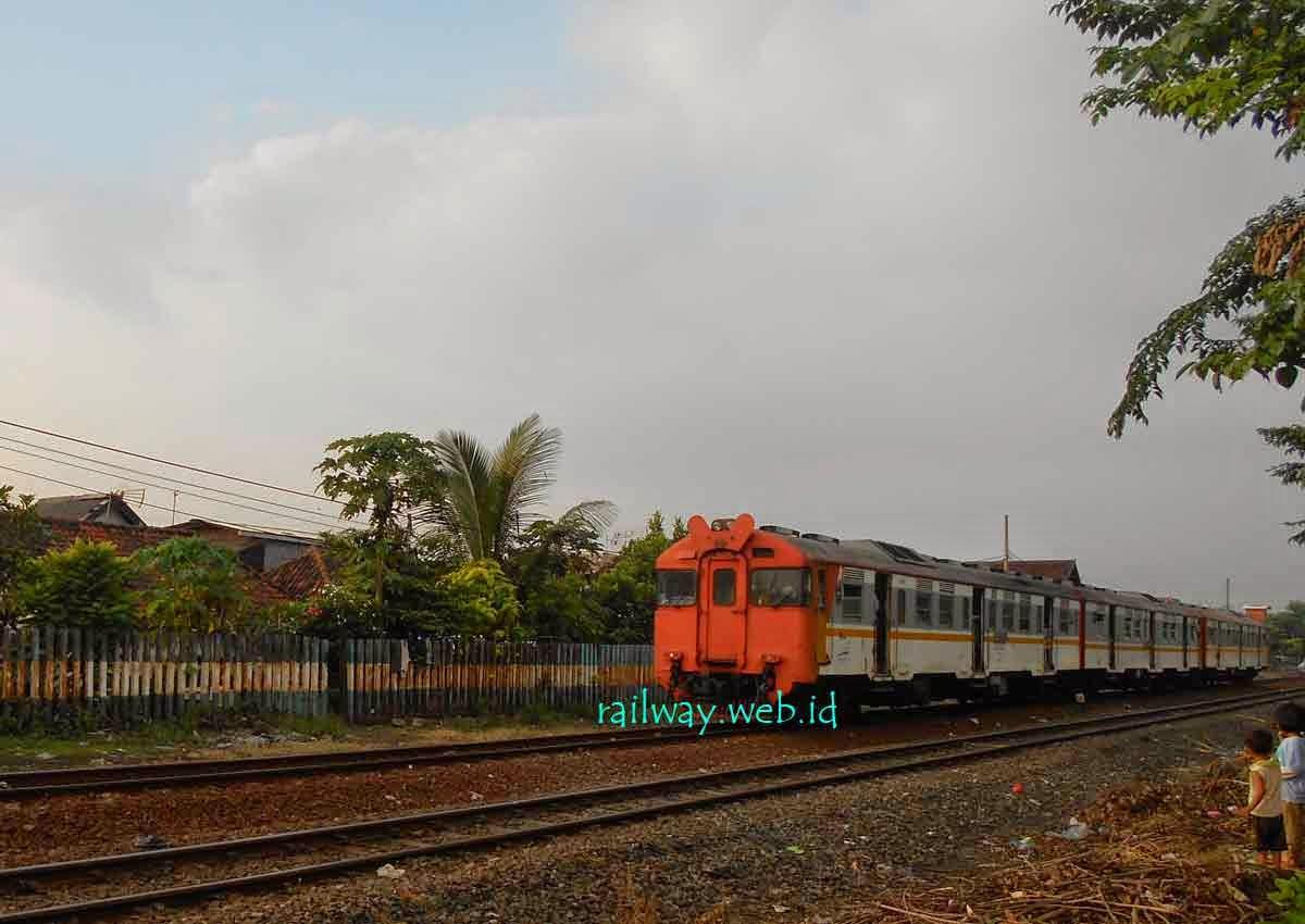 gambar kereta api kedungsepur