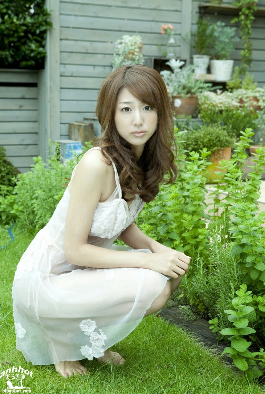 moyoko-sasaki-01425839