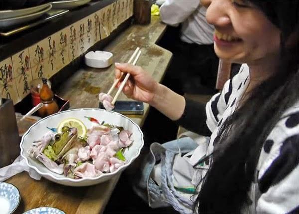 Βάτραχοι ( τρώγονται στην Ιαπωνία, την Κίνα και το Βιετνάμ)