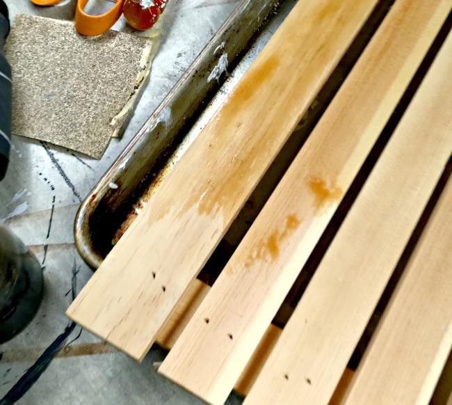 DIY Chalkboard Peg Hooks www.homeroad.net