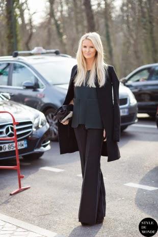 Pantalones de campana negros street style 2015