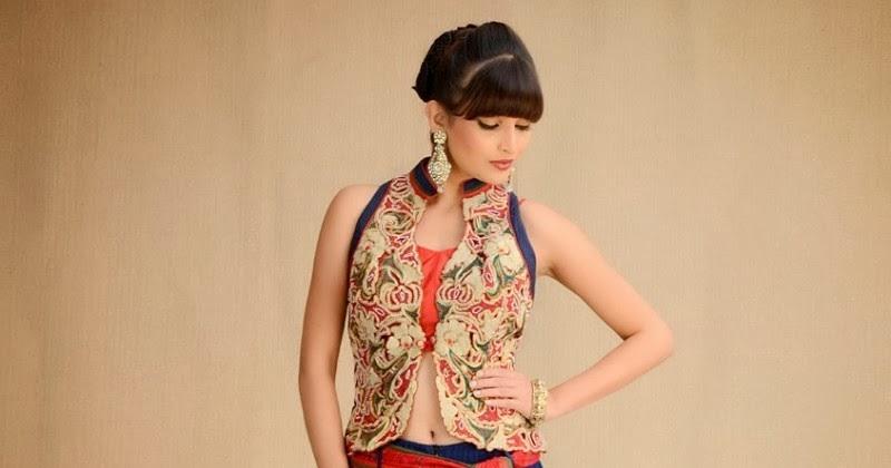 Beautiful Indian Dresses: Top Designer Wedding Dresses 2013-14