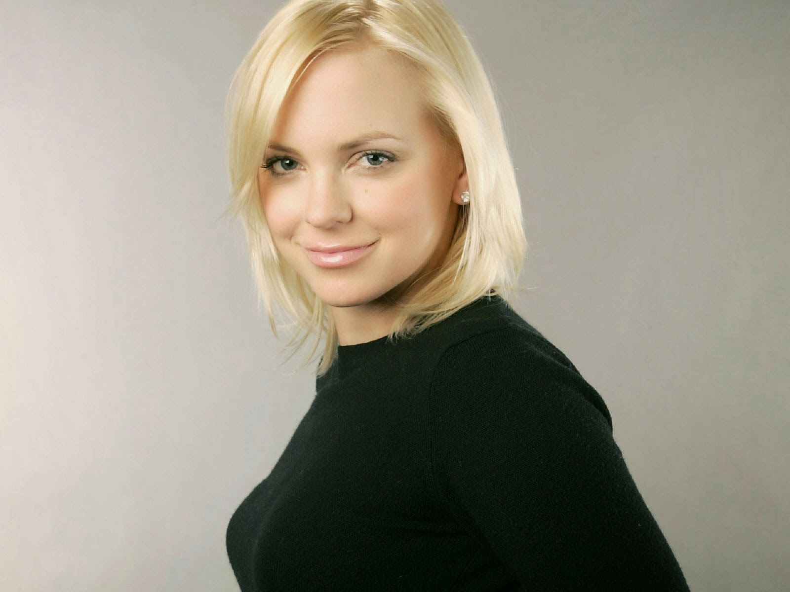 Anna Faris Hd Wallpapers Free Download