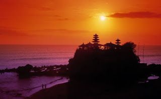 sunset in Tanah Lot, Tanah Lot temple, holiday in Bali