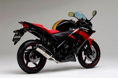 Modifikasi Honda CBR 250R-3