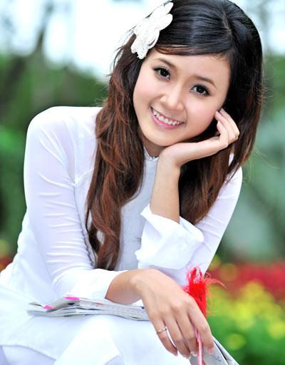 hot girl midu với tà áo trắng