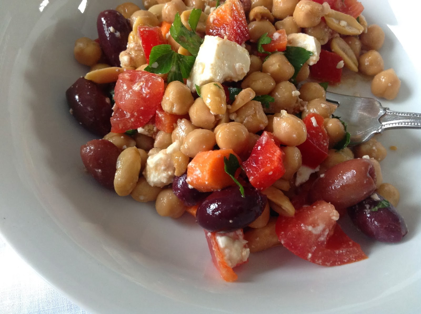 Crunchy Greek Salad with Chickpeas from Food Therapy