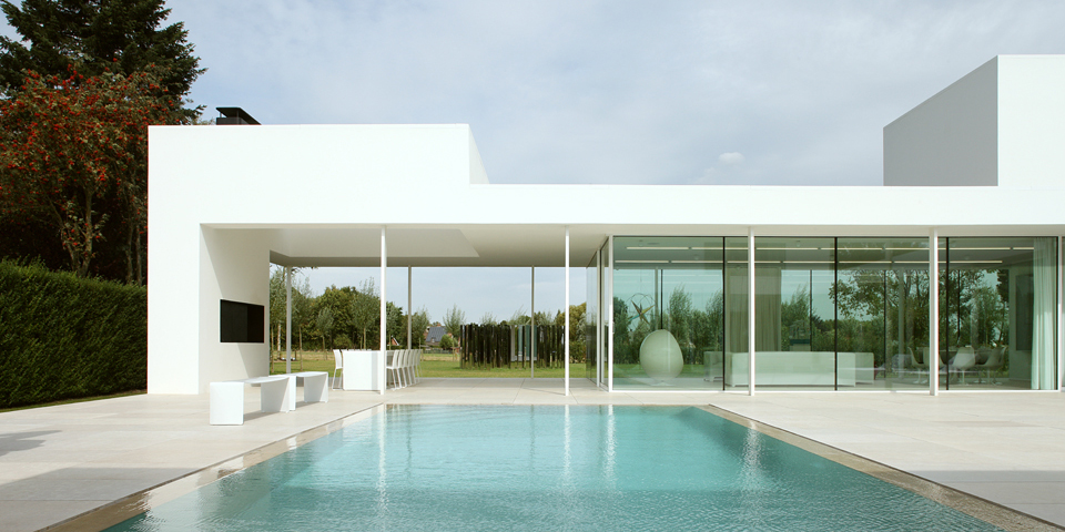 Ultra modern architecture in belgium modern design by for Villa minimal