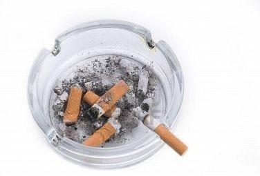 Vứt hết bật lửa, gạt tàn