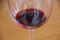 יין בכוס