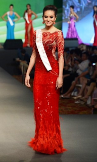 Queenierich Rehman wearing Michael Cinco's creation to which Miss World described as stunning