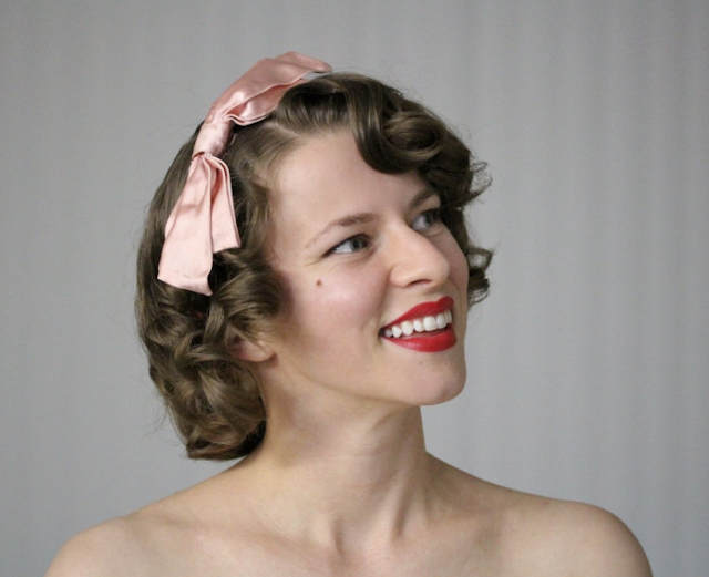 1940s Pink Satin Hair Bow #vintage #hair #fashion #1940s #satin #pink #bow