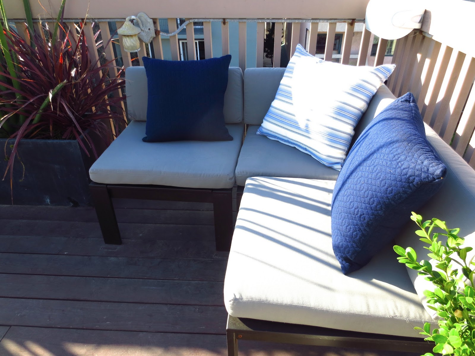 COCOCOZY: OCEAN VIEW OUTDOOR LIVING ROOM IN THE MDR!