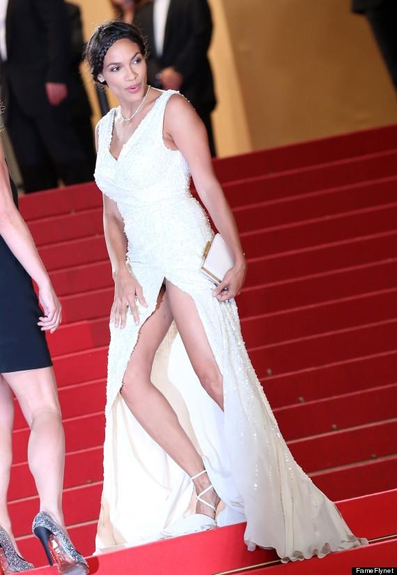 Rosario Dawson exhibe ropa intima en Cannes