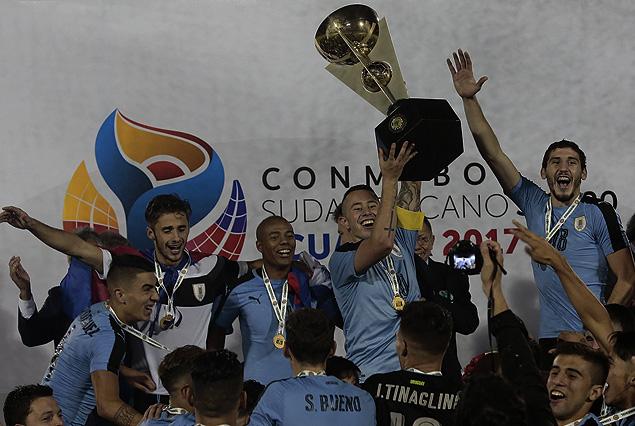 PRESENTE VICTORIOSO DE LA SELECCCIÓN URUGUAYA