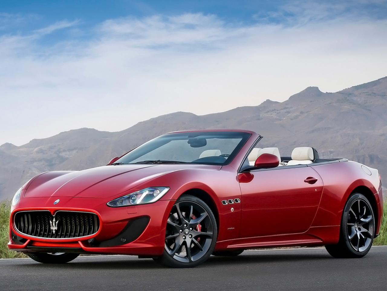 2013 maserati grancabrio sport cars info. Black Bedroom Furniture Sets. Home Design Ideas