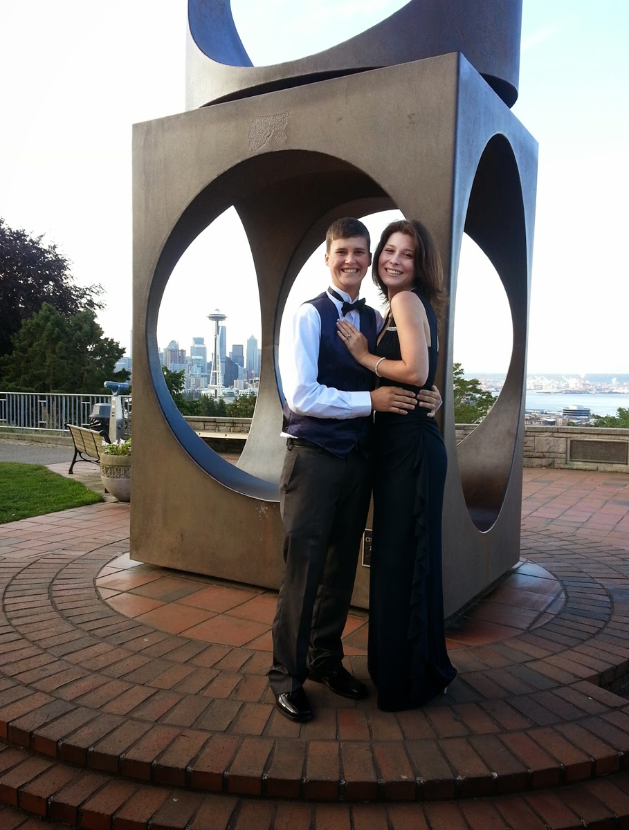 Melissa and Amber at the Kerry Park Sculpture - Patricia Stimac, Seattle Wedding Officiant