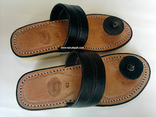 Sandal Tarumpah Jamur