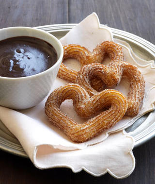 How to make chocolate sauce for churros