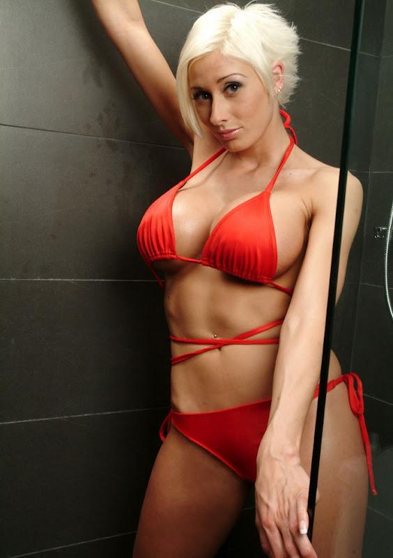 jolie blonde sex quebec