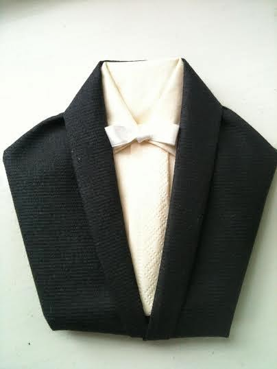 servietfoldning kjole