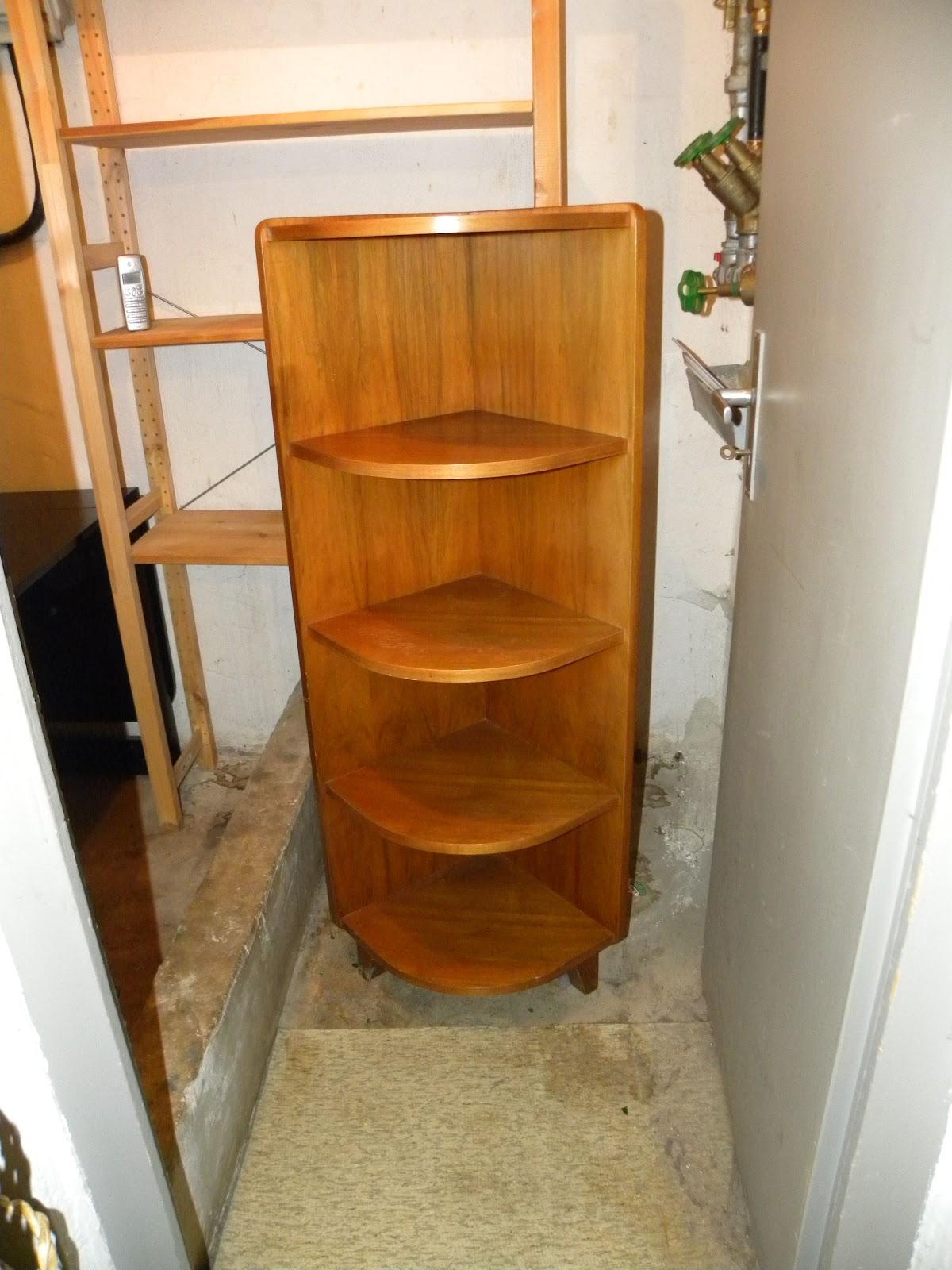 mein liebes frollein das fertige eckregal a la pariser chic. Black Bedroom Furniture Sets. Home Design Ideas