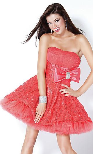 Випускні плаття 2012 модні фасони
