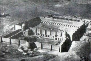 Proses berdirinya Dinasti Abasiyah diawali dengan runtuhnya Dinasti Umayah02