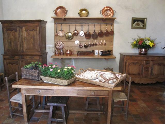 la habitacin del prncipe jerme las de la primera planta estaban reservadas al cabeza de familia y a sus invitados en la