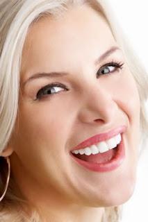 Blanquear los dientes amarillos