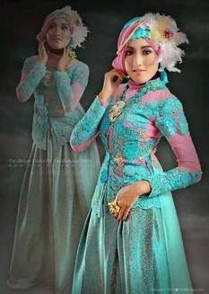 Model baju kebaya muslim wisuda terbaru