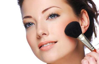 Cara Make Up Wajah Agar Terlihat Lebih Cantik Alami
